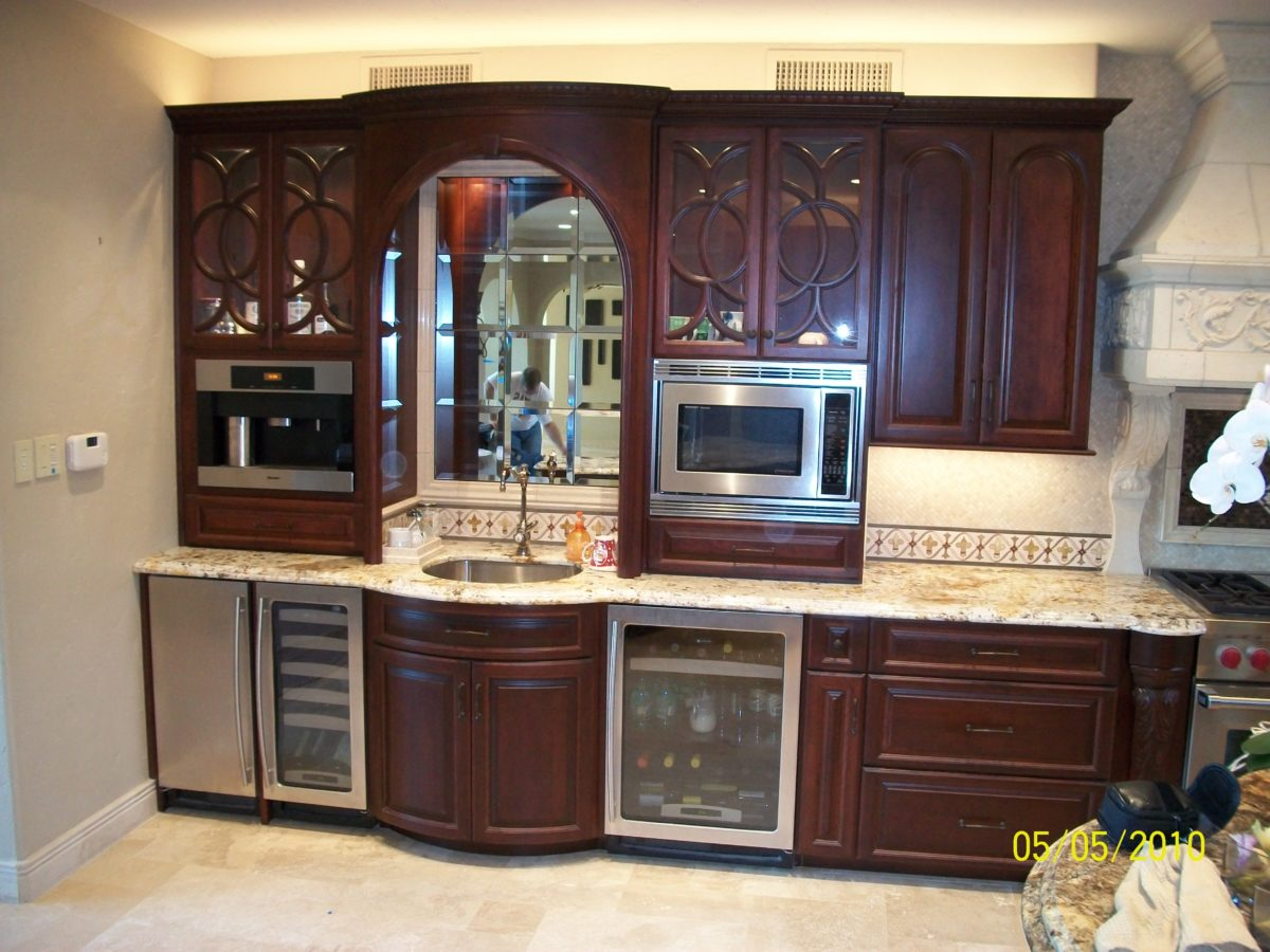 Kitchen cabinets houston tx prefab kitchen cabinets for Kitchen design 77070