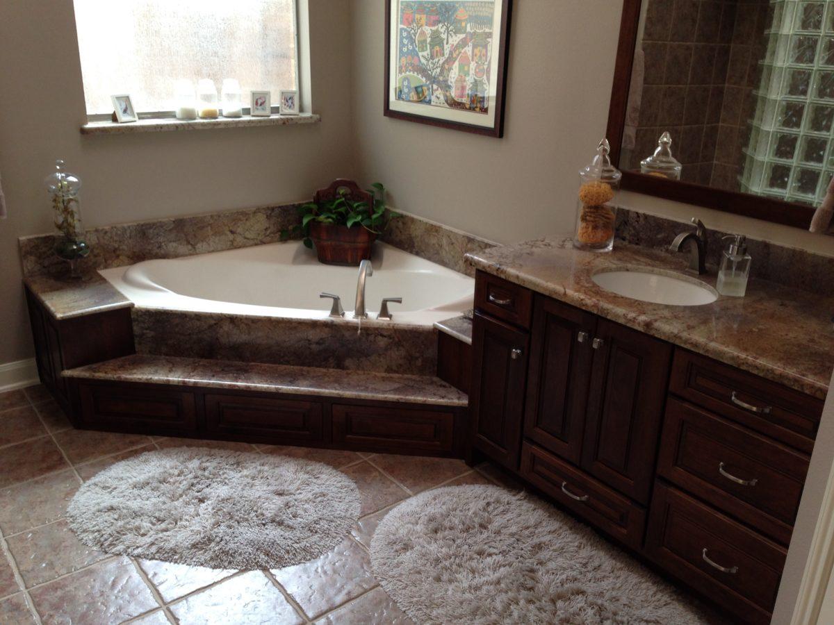 Bathroom cabinets amish cabinets of texas austin houston - Custom bathroom vanities houston ...